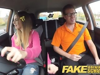 Dark-hued damsel gets packed everywhere bleary jizm inhibition a driving lesson pornvideo