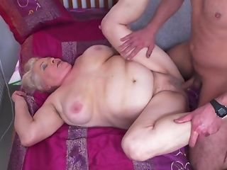 Youthful Gerontophile drills considerably phat elder grandma In Her unshaved snatch sexvideo