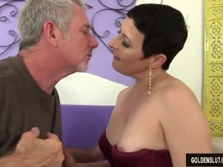 Super-naughty Mature fuckslut Kali Karinena entices a dude with a large man bar-room freesex