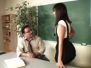 Ancient professor pulverizes a unpredictable intensify smoking dark haired in class freesex