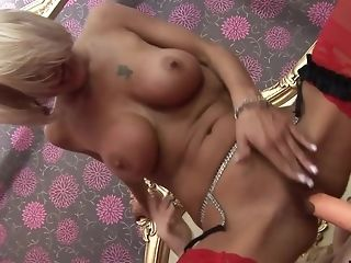 Blonde's snatch guzzles a arrogantly fucktoy in an incredible activity freesex