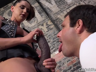 Brunette, Cuckold, Fetish, Interracial